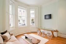 Flat to rent in Onslow Gardens, London...