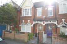 3 bed home for sale in Richmond Avenue, London...