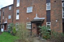 2 bed Ground Flat in Kimbolton Crescent...