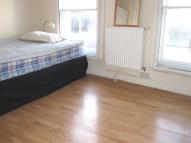 Studio flat to rent in Hammersmith Road, London...