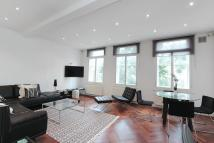 2 bed Flat to rent in Queens Gate...