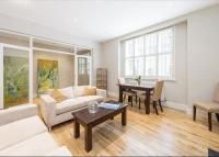2 bedroom Flat to rent in Gloucester Road...