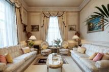 Flat to rent in Mayfair House...