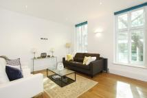 2 bed Flat to rent in Shaftesbury Avenue...