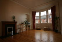 Flat to rent in Fairlie Park Drive...