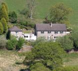 9 bed Detached home in Llanbadarn Fynydd...