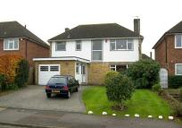 3 bedroom Detached home for sale in Derwent Close, Claygate
