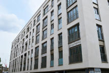 1 bedroom Flat in 152 Ebury Street, London