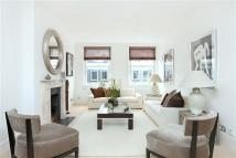 3 bedroom Flat for sale in Roland Gardens...