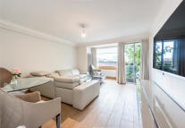 2 bedroom Flat in 1 Hyde Park Square...