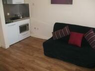 Studio apartment to rent in High Street, Northwood...