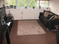 1 bed Maisonette to rent in Hawes Close, Northwood...