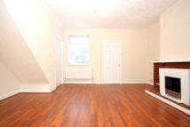 3 bed Terraced home to rent in Kings Crescent...