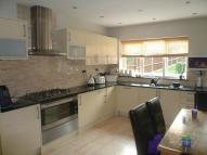 5 bedroom semi detached home in Oakwood Avenue, London...