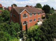 6 bed Detached house in 15 Avondale Road...