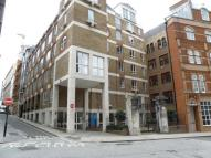 Monument Street Flat to rent