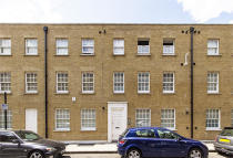 4 bed Flat in Myrdle Street...