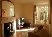 2 bedroom Ground Flat to rent in Ashmount Road...