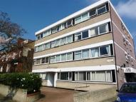 1 bed Flat to rent in Cambridge Road, Wanstead...
