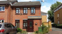 3 bedroom semi detached property to rent in Carronade Place...