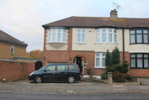 4 bed semi detached house in The Avenue, Highams Park...