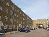3 bed Apartment to rent in Leathermarket Court...