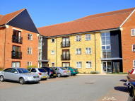 2 bedroom Ground Flat to rent in Howard Road...