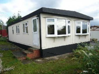 2 Bedroom Bungalow To Rent In Quedgeley Court Park Gloucester