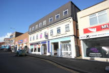Kingston Court Shopping Arcade Apartment to rent
