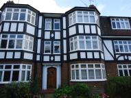 3 bed Ground Flat to rent in Hermon Hill, Wanstead...
