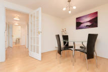 2 bed Apartment in South Terrace Court...