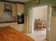 3 bed semi detached property to rent in Epping Way, Chingford...