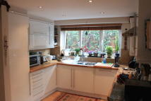 2 bedroom Ground Flat to rent in Pield Heath Road...