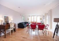 Chicksand Street Flat to rent