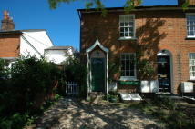 2 bed Terraced house in Stoke Fields, Guildford...