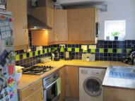2 bedroom semi detached property to rent in Acacia Road, Guildford...