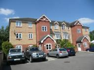Apartment in Woodfield Road, KT7 0DS...