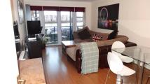 Flat to rent in Jardine Road, Limehouse...
