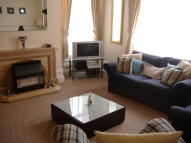 Ground Flat to rent in Richardshaw Lane, Pudsey...