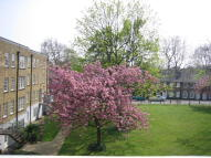 2 bedroom Flat in John Spencer Square...