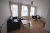 Flat to rent in Sylvan Avenue...