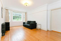 1 bedroom Ground Flat in Howitt Close...