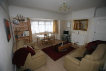 2 bed Maisonette in Marsh Road, Pinner...