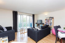 3 bedroom Flat in Worple Road, Wimbledon...