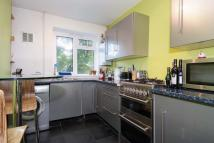 3 bedroom Ground Flat to rent in Chobham Gardens...