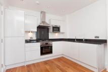 2 bedroom Flat in Greenwich High Road...