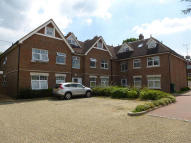 2 bedroom Apartment in Dunstall Avenue...