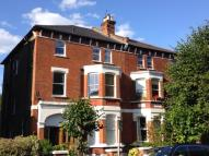 2 bedroom Flat in Mowbray Road...