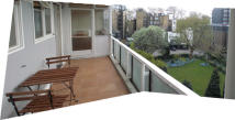 Flat to rent in Gloucester Terrace...