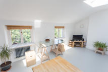 1 bedroom Flat to rent in Mildmay Grove South...